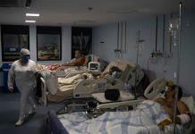 Varios países registran récords de muertes y casos de COVID