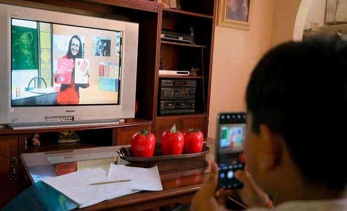 Niño obtiene por vía amparo TV e instructor