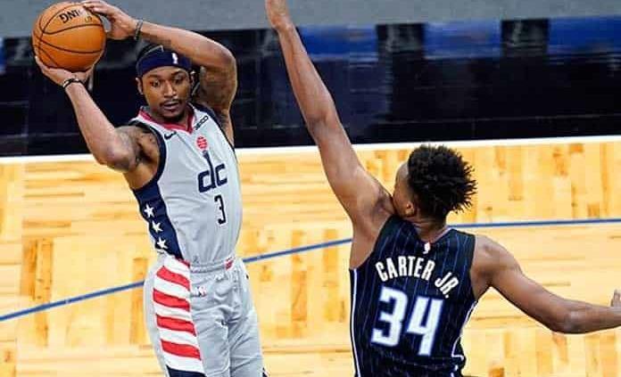 Westbrook firma otro triple doble