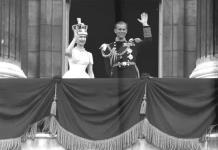 PERFIL: El duque de Edimburgo, el ancla de Isabel II