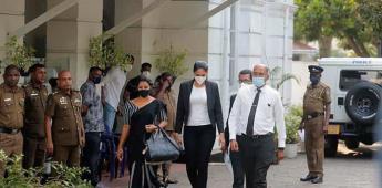 Reina de belleza ofrece renunciar tras su detención por arrebatarle la corona a Mrs Sri Lanka 2021