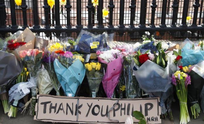 El Gobierno británico pide no dejar flores al príncipe Felipe por la pandemia