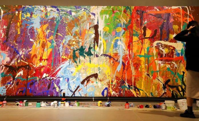 Pareja surcoreana pintarrajea una obra de arte por error