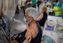 Suben los contagios en Europa mientras se intenta acelerar el ritmo de vacunación