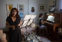 Artistas de Rio decaen en el exilio en línea