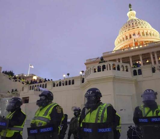 Las amenazas a congresistas de EEUU se duplican en lo que va de 2021