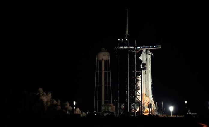 La NASA aplaza al viernes el lanzamiento de una misión tripulada a la Estación Espacial