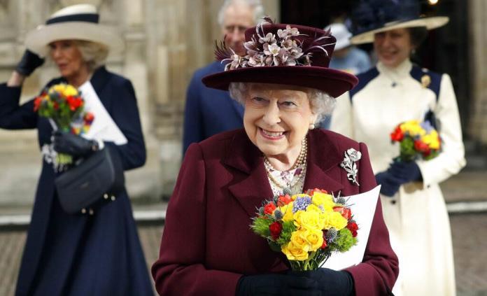 Isabel II cumple 95 años rodeada de sus allegados y sin actos públicos