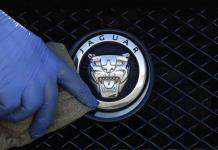 Jaguar Land Rover frena producción por escasez de microchips