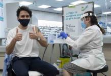 Trudeau aconseja vacuna de AstraZeneca en medio de la confusión sobre su uso en Canadá