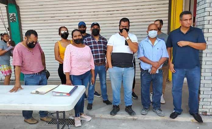 Comerciantes ambulantes integran su asociación