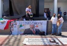 Madre de Alan protesta en la Ciudad Judicial