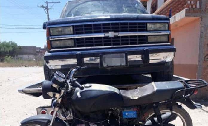 Recuperan una camioneta y una motocicleta robadas