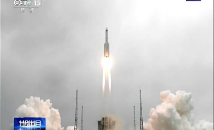China lanza primer módulo de su estación espacial permanente