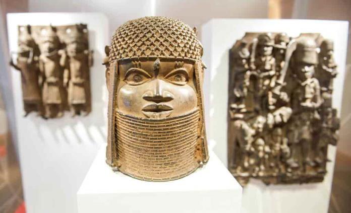 Alemania devuelve bronces de Benín saqueados en era colonial