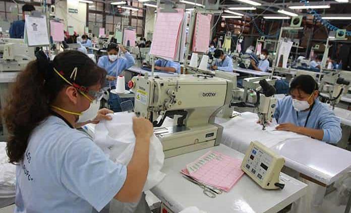 Covid expulsa a más mujeres del mercado laboral