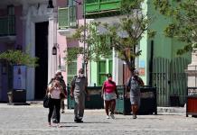 Cuba cierra abril como su peor mes de la pandemia en casos y muertos