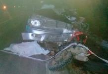 Conductor choca y provoca la muerte de un motociclista