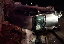 Vuelca un vehículo en la carretera  Valles-Tampico y un hombre resulta herido