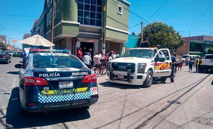 Muere un motociclista tras chocar contra fachada de inmueble