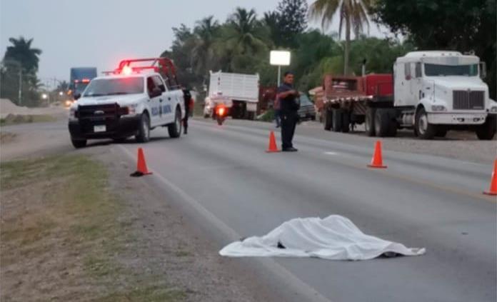 Un hombre muere atropellado en la carretera Valles-Tampico
