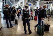 Proponen relajar restricciones para viajes a países de la UE