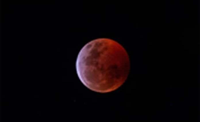 Eclipse total de Luna de Sangre, ¿qué es este evento astronómico?