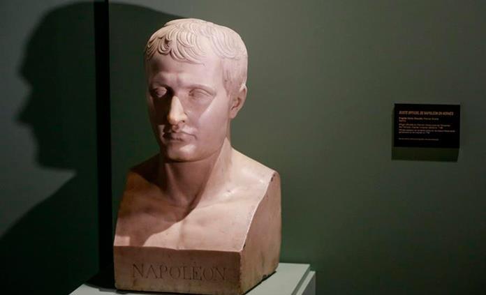 Macron afronta con prudencia el homenaje a Napoleón