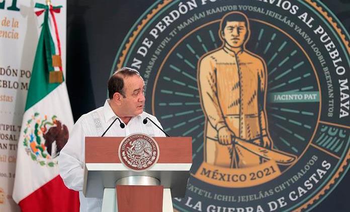 Presidente de Guatemala llega al Palacio Nacional para reunión con AMLO