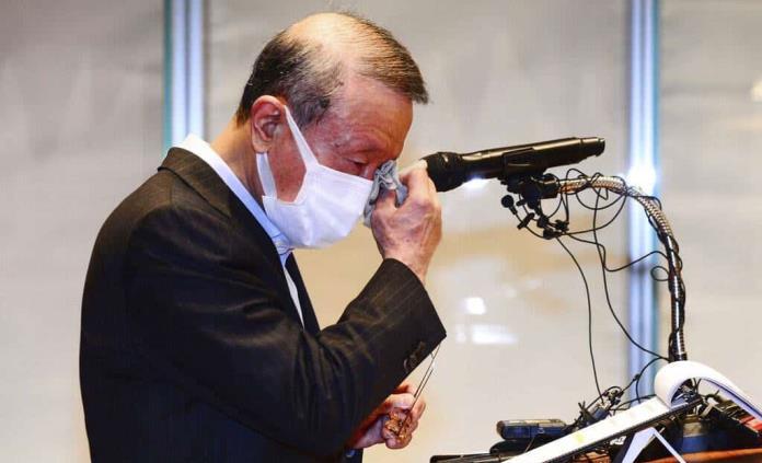 Renuncia empresario surcoreano por información falsa de COVID