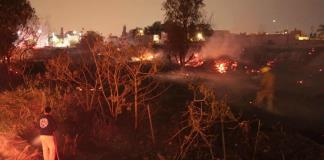Incendio consume pastizal de un lote baldío del Río Santiago (FOTOS Y VIDEOS)
