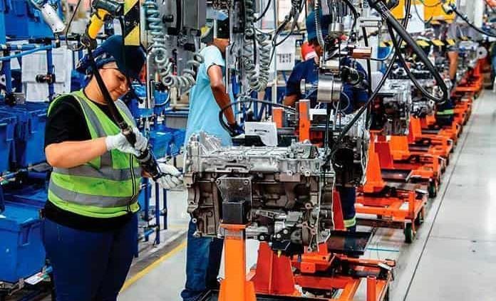 Frena industria su recuperación, retrocede 0.2% en abril