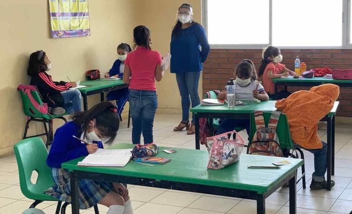 Mexicanos de menores ingresos, los que más quieren regreso a clases