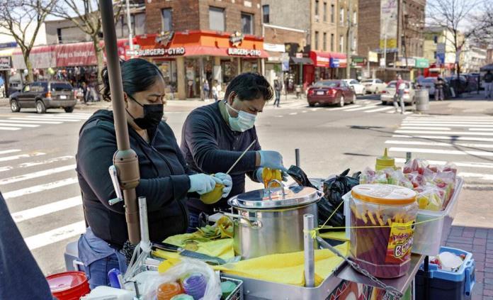 Firmas explotan a empleados que ganan menos durante pandemia