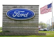 Ford inicia actualización de software de autos por internet