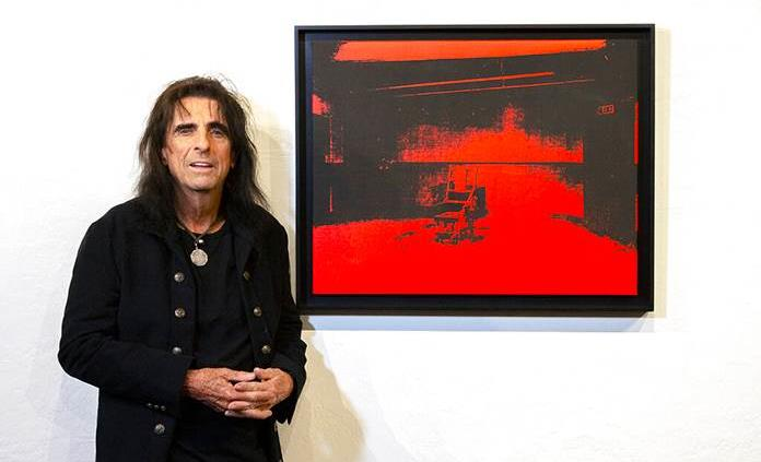 Subastarán obra de Warhol olvidada en bodega de Alice Cooper