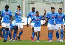 Nápoles conquista Florencia y está a un triunfo de la Liga de Campeones
