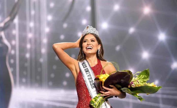 Ebrard felicita a Andrea Meza tras su victoria en Miss Universo 2021