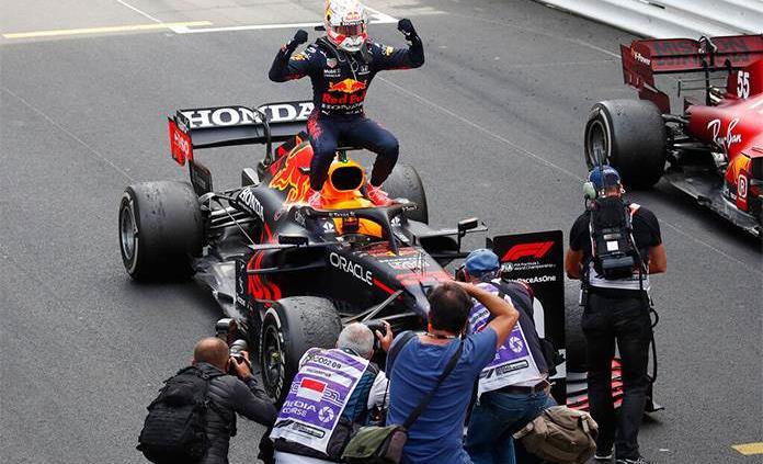 Verstappen gana en Mónaco; Checo Pérez termina cuarto