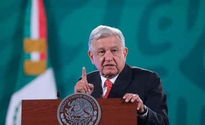 AMLO critica hipocresía en el PRI; llama a sus adversarios sepulcros blanqueados