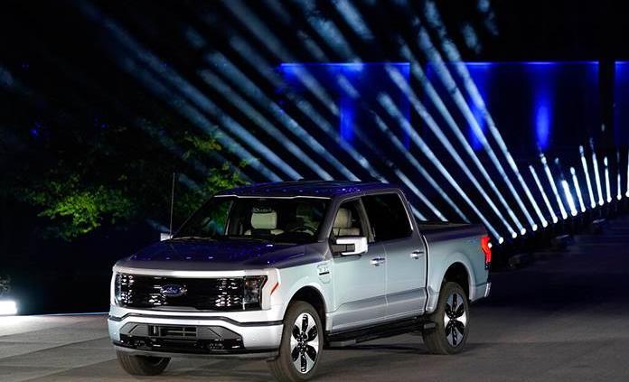 Ford calcula que para 2030 el 40 % de sus vehículos vendidos serán eléctricos