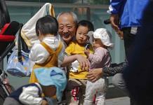 La natalidad en China caerá de nuevo en 2021 pese a permitir tener tres hijos