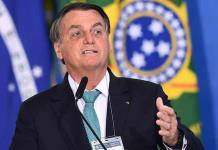 Bolsonaro pide estudio para que la mascarilla no sea obligatoria en vacunados