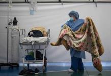 La pandemia se ensaña en Colombia con otro récord diario de 573 muertos