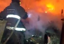 En la ruina quedan cuatro familias a causa de incendio