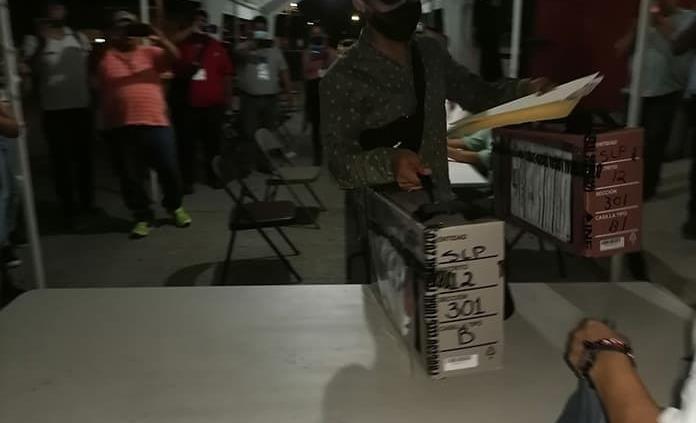 Arriba primer paquete electoral al CME a las 11:20 de la noche