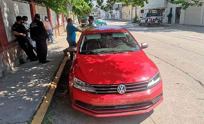 Mujer resulta herida en accidente vehicular