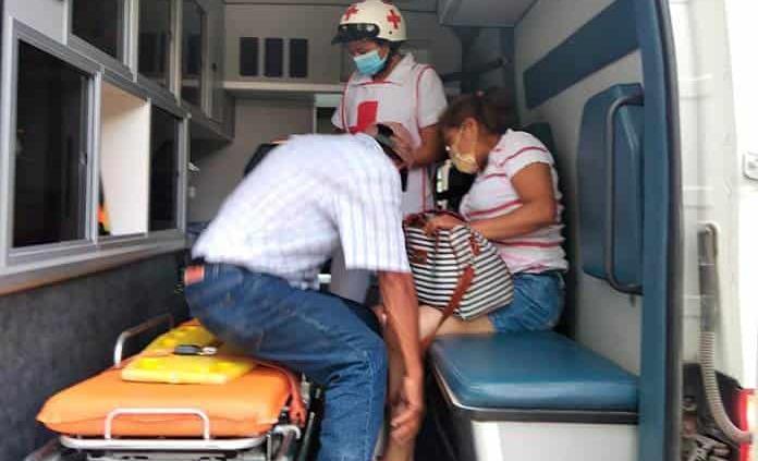 Una lesionada, al derrapar motocicleta