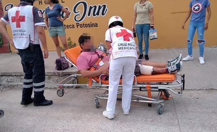 Dos heridos, deja choque entre dos motocicletas