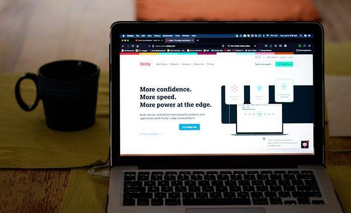 Un error de programación causó la caída de páginas de internet, según Fastly